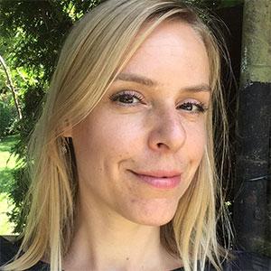 Larissa Koch - Literatur auf der Parkbank